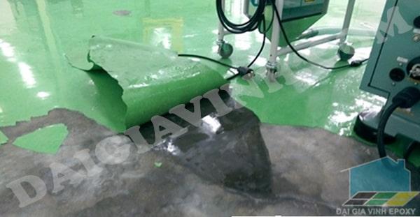Những lỗi cần tránh khi sơn sàn epoxy làm bong tróc bề mặt