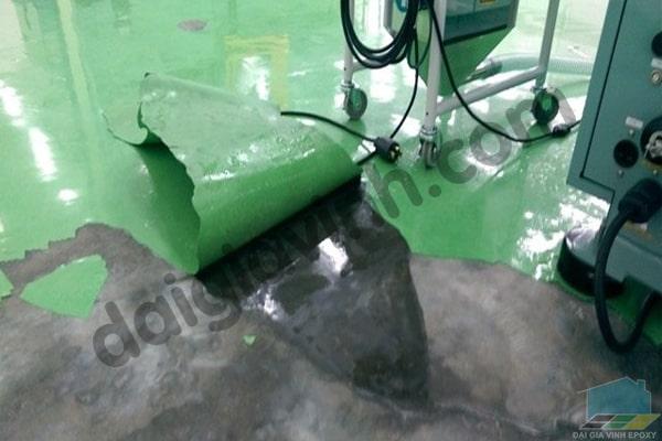 Những sự cố do thi công epoxy sai làm bong tróc