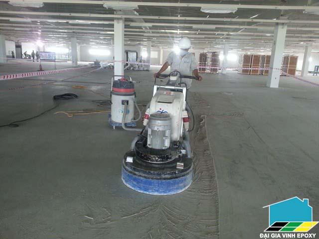 đánh bóng sàn hay thi công epoxy