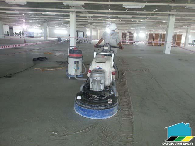 Thi công sơn epoxy cho nền bê tông xấu